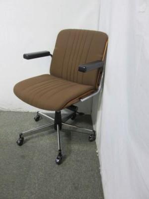 BRASA 愛知にて、オフィス家具 ジロフレックス ブラサチェア ブラウンを買取いたしました。