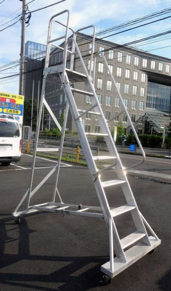 pica sagyoudai 横浜にて、工具 ピカコーポレイション高所作業台を買取いたしました。